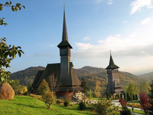 care-sunt-cele-mai-frumoase-biserici-si-manastiri-din-romania